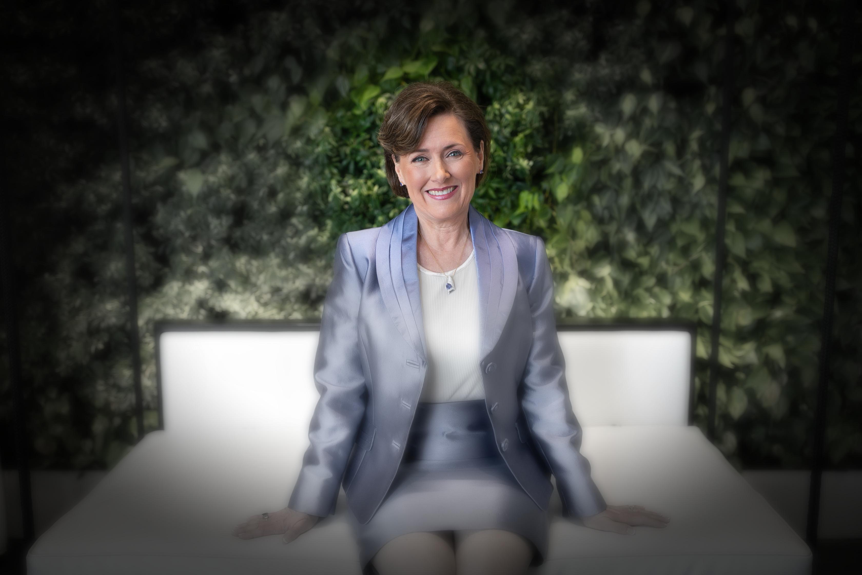 Dr. Lori Barr